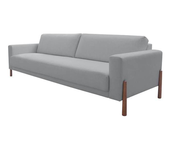 sofá com pés em madeira monaco 3 lugares 130708 sofá cinza claro 3 lugares com pé de madeira
