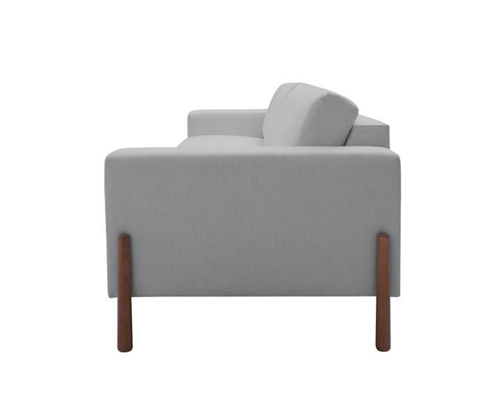 sofá com pés em madeira monaco 3 lugares 130708  sofá cinza claro 3 lugares com pé de madeira2
