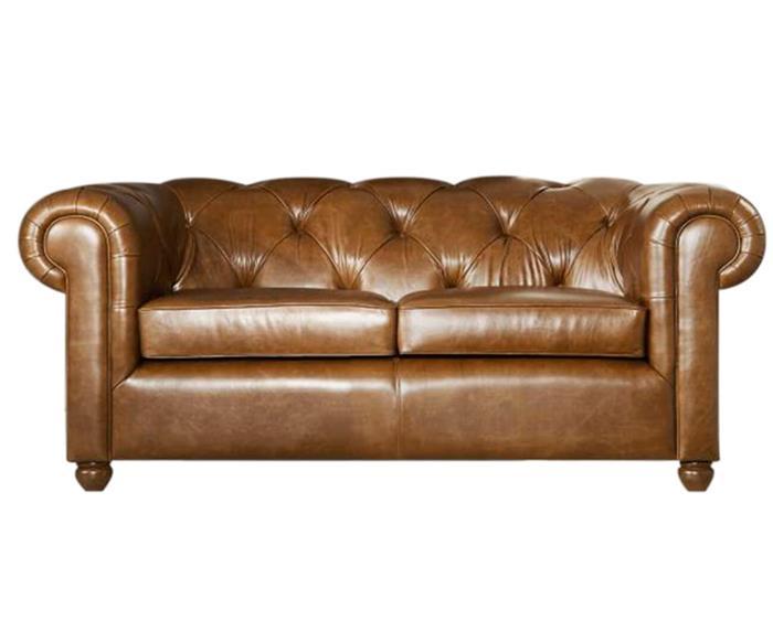 sofá chesterfield club 2 lugares (em couro natural) 011507 sofá chesterfield 2 lugares em couro natural caramelo